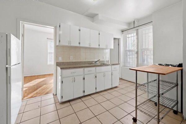 Renovated 4 bedroom Apt, 2 Blocks From AC_Hardwood floors
